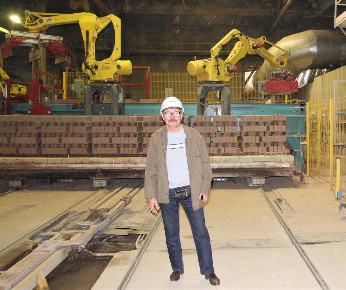 Современный роботизированный кирпичный завод